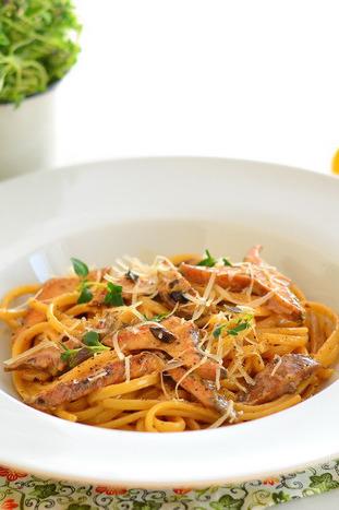 seente-ja-musta-kuuslaugu-pasta