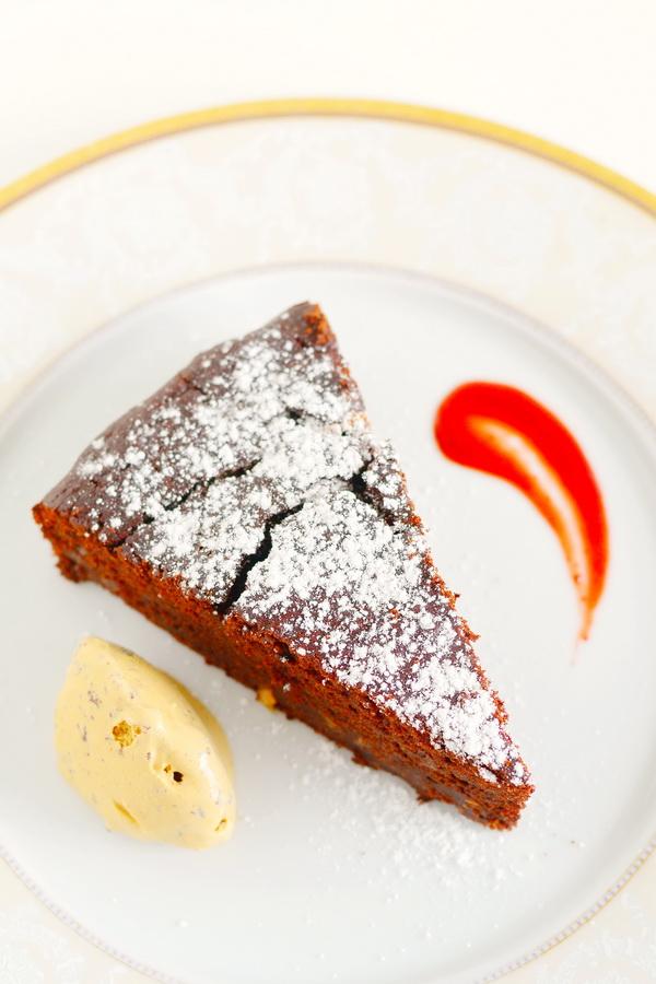 suvikorvitsa-sokolaadi-kook