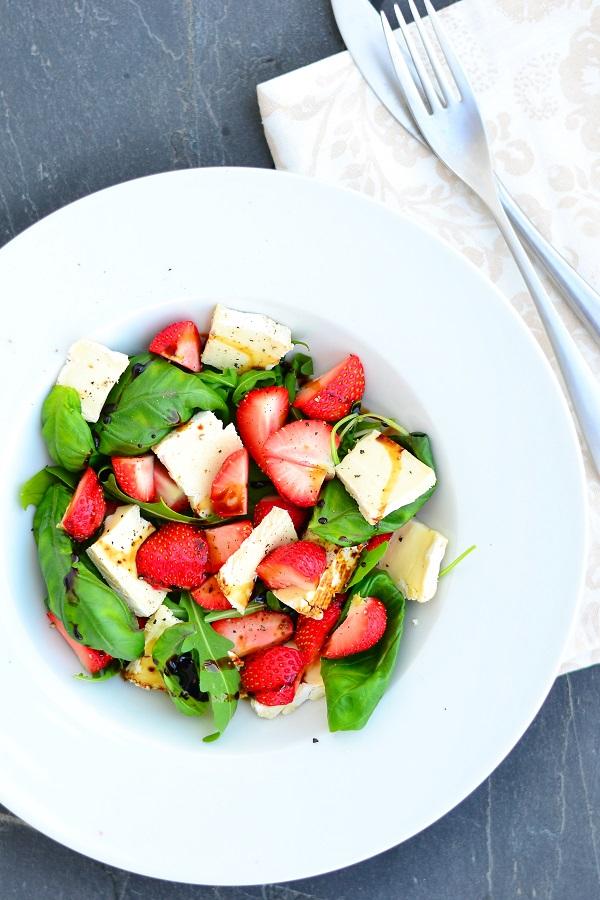 maasika brie salat
