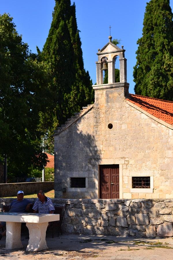 naaber-kirik
