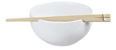 Valge kauss söögipulkadega