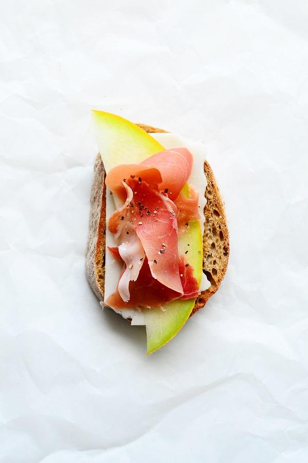 toast serrano-