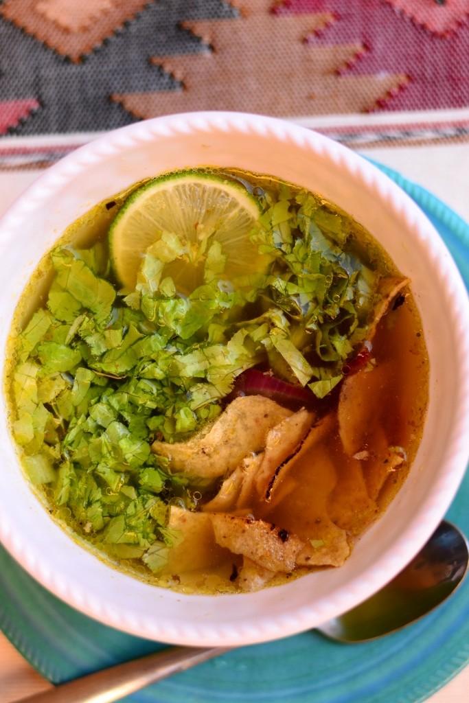 sopa de lima kanasupp laimiga