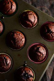 mustika sokolaadi muffinid